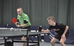 Debel Waldemar Pawelczyk (z lewej) i Paweł Zieliński wygrał wszystkie mecze w pierwszej rundzie III ligi